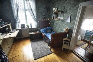 Elias Källström har turen att ha ett extra rum för kompisar och en liten spelhörna som inte inkräktar på sovrummet.