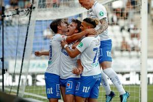 IFK Norrköping jublar efter målet som innebar seger i hemmamötet mot GIF Sundsvall. Bild: Stefan Jerrevång/TT