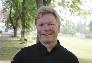 Peter Karlsson tror att en rimlig publiksiffra den 5 juli är 500 personer.