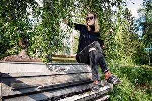 Karin Gärdegård föddes i Linköping och bor sedan 1,5 år i Docksta.