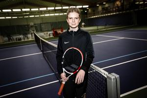 Orientering, skidåkning, fotboll och ishockey. Många sporter provades innan Ludvig Kallin fastnade för tennisen.