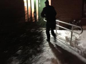 Under natten mot lördag spärrade polisen av en lägenhet i Borlänge.