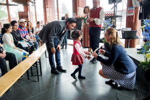 Dokumentärfilmarna blev nyfikna på arbetet med Faluns nya ceremoni.Foto: Ulf Palm, Falu kommun