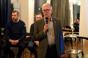 Sten-Åke Karlsson föreslås bli omvald som ordförande i HV71 i ytterligare ett år.
