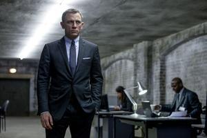 Insändarskribenten är trött på att Bondfilerna visas om och om igen på tv. Foto: Francois Duhamel/ AP /Sony Pictures.