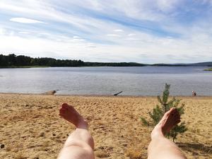 Friluftsliv i sin enklaste form på sommarlovet - sola och bada!