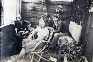 På Biskopsängens koloniområde, som 1978 fyllde 60 år, hade Nils Eriksson besök av bland andra dottern Elisabeth.
