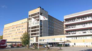 107 miljoner extra tillförs Region Västmanland för att bete av vårdbehovet, framhåller (S) i insändaren.