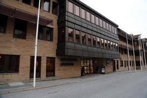 En skolledare i Sollefteå kommun har sagt upp sig efter att ha uppträtt olämpligt mot personalen.