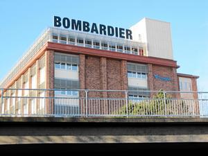 Thore Sekkenes slutar efter två år som som VD för Bombardier Sverige med huvudkontor i Västerås. Anna Höjer tar över.