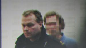 Många var de poliser som följde Gryningspyromanen hack i häl. Foto: SVT