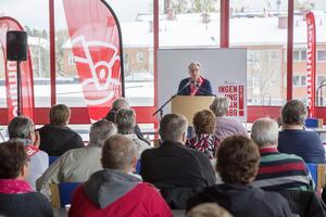 Åhörare i Hallstavik lyssnade till Christer Hallingström.