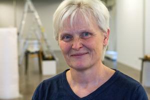 Susann Andersson, född 1962, från Forsbacka kallar sig självlärd och har aldrig haft någon separatutställning.