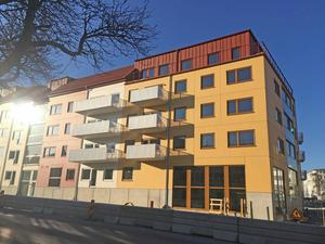 Nynäshamnsbostäder bygger 94 nya hyresrätter vid Nynäsvägen, Industrivägen och Bryggargatan.