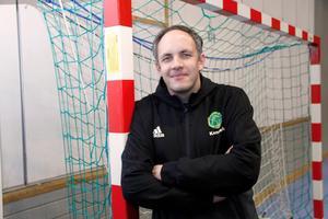 Kenneth Larsson är ny tränare i Edsbyn. Kontraktet är skrivet på ett år.