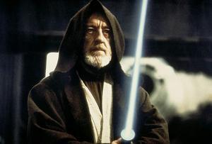 Obi-Wan Kenobi (Alec Guinness) är motsvarigheten till Artursagans trollkarl Merlin i filmerna om Stjärnornas krig. Foto: Lucasfilm
