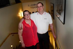 Maria Sällström och Björn Höglund bor i Stockholm men hade i påskhelgen vänt hemåt till Marias föräldrar i Sundsvall. På långfredagen passade de på att ta en danskväll på kasinot.