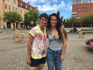 Franziska Kusebauch och Angeliki Meli är ledare för sommarjobbet.