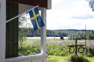 Flaggan hänger på topp i Västra Höle.