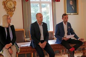 Det blev tokigt med informationen, men framtiden för Kånsta kvarn kan ni i bygden vara med och påverka, menade  Lena Fagerlund, Magnus Andersson  och  Roberth Huss.