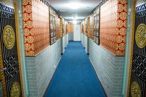 Hotellkorridoren har också kinesisk inredning.