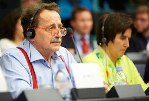 Jens Nilsson, Europaparlamentariker för socialdemokraterna har avlidit vid 69 års ålder.