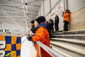 Det var viss besvikelse hos Jesse Aaltonen, Bollnäs, när hans favoritlag låg under med två mål mot Broberg på fredagskvällen.