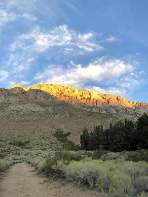 Naturupplevelsen var magisk, solen glittrade som guld på bergen. Foto: Privat
