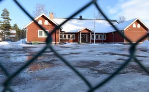 Idkerbergets skola är en byskola som hotas av nedläggning. Beslutet om hur det blir kan tas i nästa vecka.