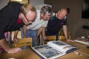 Trönö brandvärn samlar artiklar och bilder från utryckningar i pärmar.