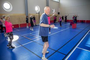 Rune Wikström är ensam man i träningsgruppen.