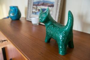 En porslinskatt inspirerad av konstnären och keramikern Lisa Larsson.