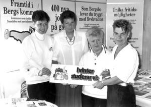 1990 firade dessa damer Studieförbundets dag.