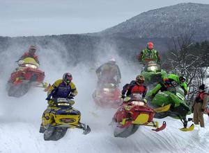 I helgen anordnas Europas största snöskotercrosstävling i Östersund. Men klarar klimatet verkligen alla snöskotrar undrar Naturskydddsföreningen. Foto: Mike Riddell