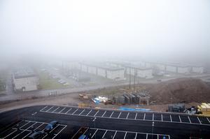 Utsikten från sjunde våningen stördes av dimma den här dagen.