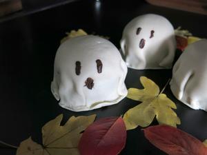 Spökbakelser till Halloween.