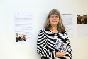 Nina Nilsson arrangerar en utställning om bokcirklar.