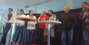 Att arrangera lokala valdebatter har blivit en tradition i Betaniakyrkan i Åbytorp. Så här såg uppställningen från partierna i Kumla ut vid debatten 2010. Från vänster: Maria Haglund, (M), Jan Engman (C), Christina Örnebjör (L), Lennart Eriksson, (S), Elisabet Bergludn (V), Per Holm (KD) och Mats Gunnarsson, (MP).Arkivfoto: Göran Kempe