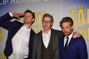 Fredrik Wikingsson Mikael Persbrandt och Filip Hammar vid galapremiären av filmen