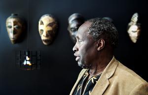 Ngugi wa Thiong'o, kenyansk författare, har länge nämnts som möjlig pristagare.