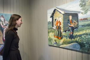 Prisbelönta konstnären Emelie Markgren, 20 år, tycker att det är fördelaktigt att jobba på landsbygden när man håller på med konst. Då det här finns så mycket utrymme, material och tillgångar.