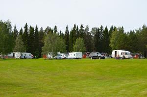 Norskregistrerade husbilar är en allt vanligare syn på Strömsunds camping.
