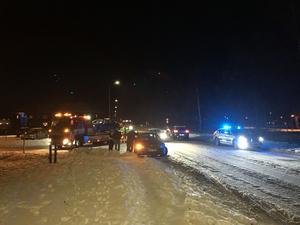 Två bilar kolliderade på Fabriksgatan i Kvarnsveden på onsdag kväll.