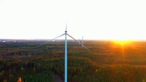 Med kunskap och erfarenhet växer motståndet mot industriell vindkraft, skriver skribenten.