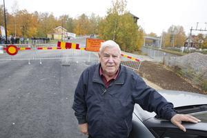 Ola Johansson ville gärna var först över bron och var ute i så god tid att han fick platsen längst fram vid staketen.