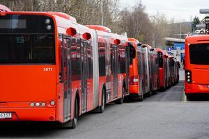 Norrtälje saknar möjligheter för bussar i beställningstrafik att både parkera och lasta på och av passagerare, skriver Erik Spejare i en replik. Foto: Lise Åserud, NTB.