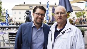 SD:s partiledare Jimmie Åkesson och riksdagskandidaten och partiets nye skogspolitiske talesperson Mats Nordberg från Falun.