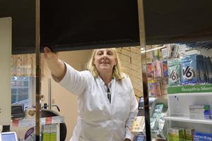 Ingrid Welander stänger apoteket i Särna  och drar ner gardinen för gott. Eller kommer någon annan entreprenör att ta över?