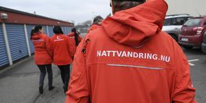 Nattvandrarna är helt beroende av frivilliga. Minst tre måste komma för att det ska bli en vandring runt centrala Nykvarn.