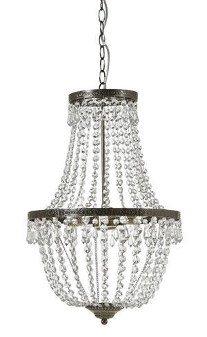 LJUS. Taklampan med kristallprismor kommer från Mio och kostar 1 695 kronor.